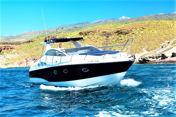 Luxury Yacht Charter in Tenerife Astondoa 40 Open - 443