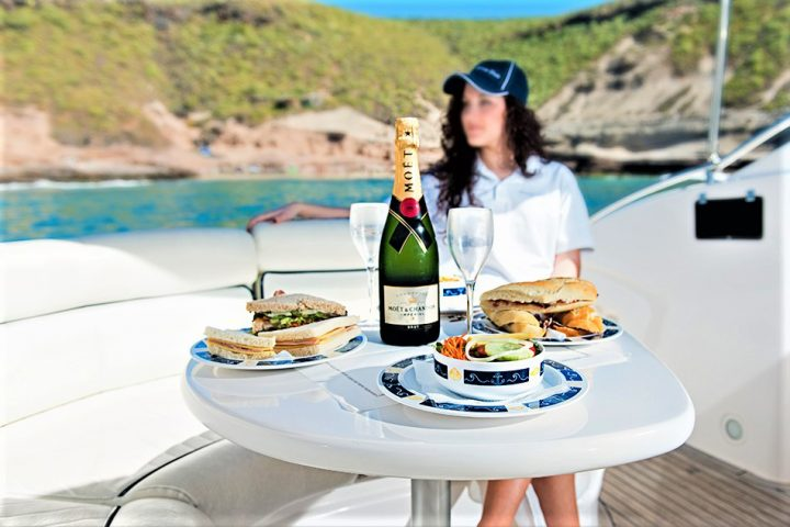 Luxury Yacht Charter in Tenerife Astondoa 40 Open - 447