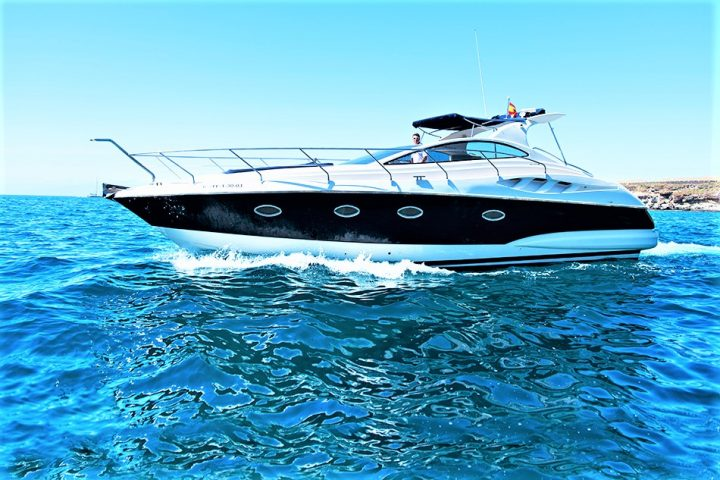 Luxury Yacht Charter in Tenerife Astondoa 40 Open - 454