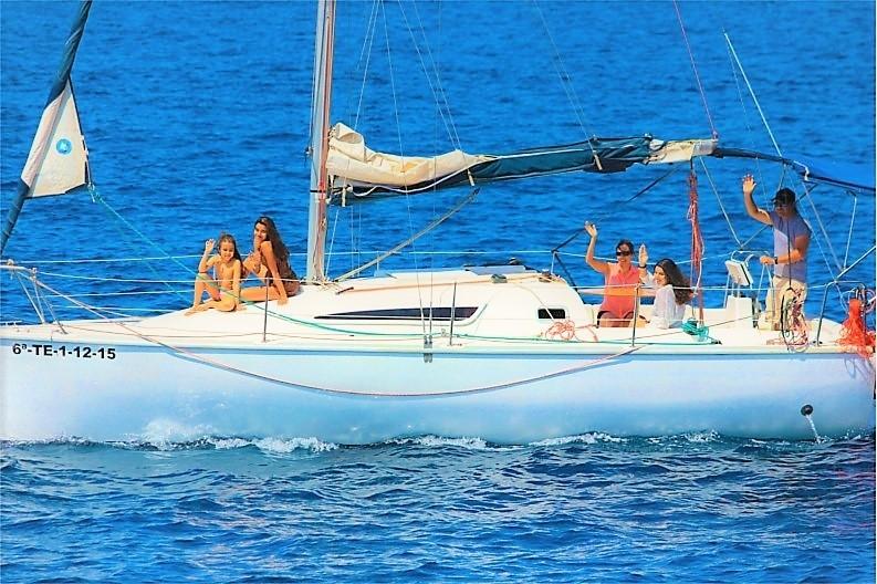 Hajó charter Tenerifén a Galatea vitorlással