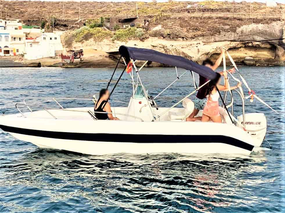 Self drive boat hire in Tenerife (without Skipper)