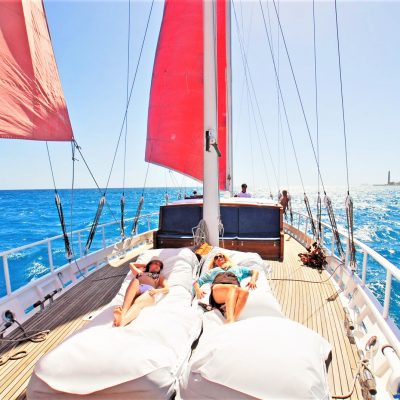 The secret Yacht Gran Canaria Boat Charter - Segelboot-Charter in Gran Canaria