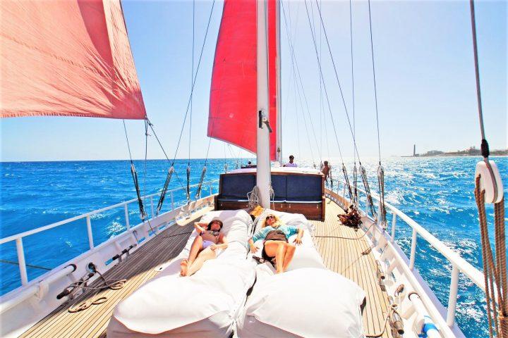 The secret Yacht Gran Canaria Boat Charter - Alquiler de Barco Velero Gran Canaria