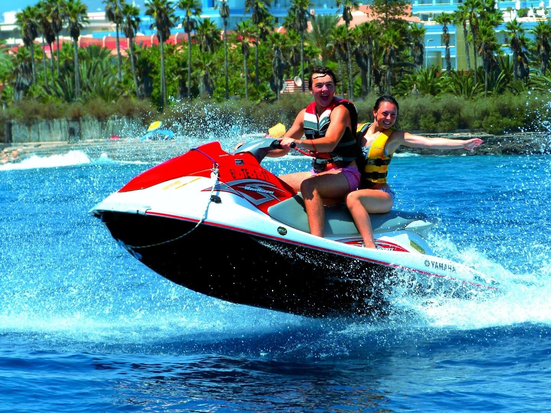 Водни спортове в Тенерифе
