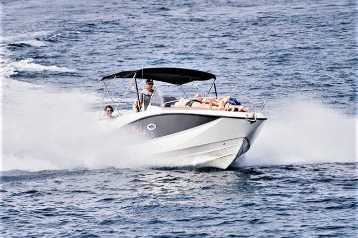 Motorinės valties nuoma Tenerifėje su Quicksilver 755 Sundeck su kapitonu arba be jo - 2476