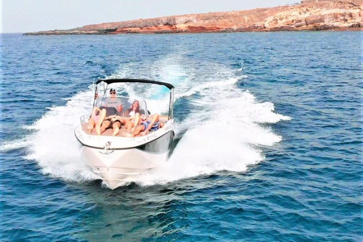 Motorinės valties nuoma Tenerifėje su Quicksilver 755 Sundeck su kapitonu arba be jo - 2485