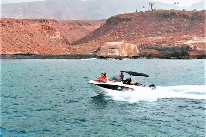 Motorinės valties nuoma Tenerifėje su Quicksilver 755 Sundeck su kapitonu arba be jo - 2488
