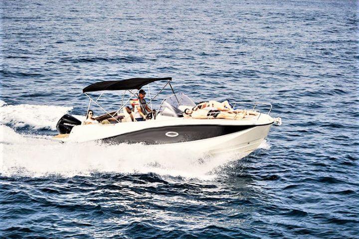 Motorinės valties nuoma Tenerifėje su Quicksilver 755 Sundeck su kapitonu arba be jo - 2489