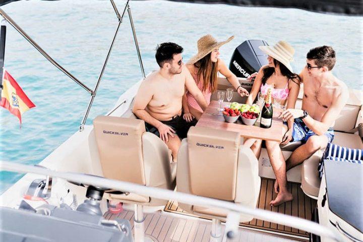 Noleggio barche a motore a Tenerife con Quicksilver 755 Sundeck con o senza skipper - 2477