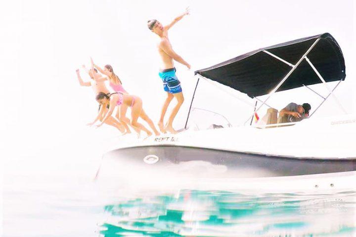 Alquiler de barco a motor en Tenerife con Quicksilver 755 Sundeck con o sin patrón - 2483