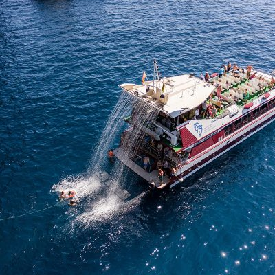 Royal Delfin Tenerife Catamaran Tour with Transport (7) - Tour in catamarano di 4,5 ore a Tenerife con Royale Delfin a Los Gigantes
