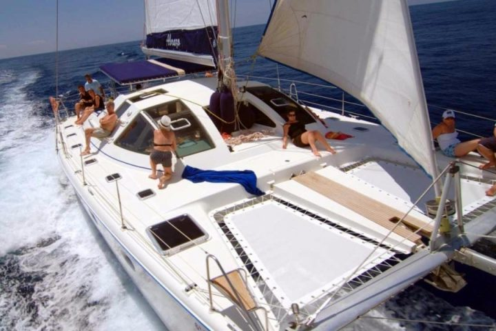 abrazo catamaran charter in tenerife - Private Catamaran Charter in Tenerife with Kennex Catamaran