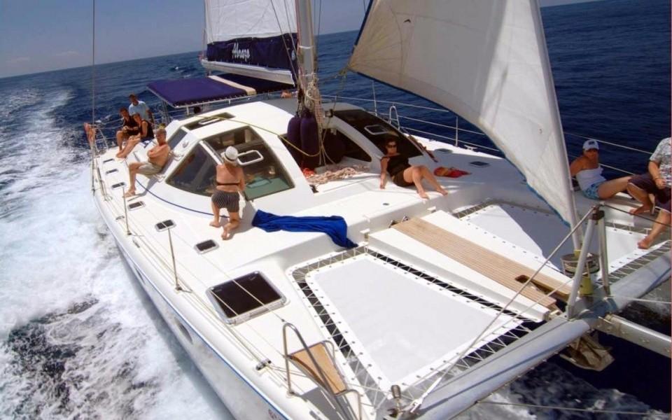 abrazo catamaran charter in tenerife