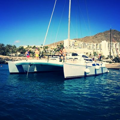catamaran hire in gran canaria with blue spirit catamaran (2) - Prive Catamaranverhuur op Gran Canaria