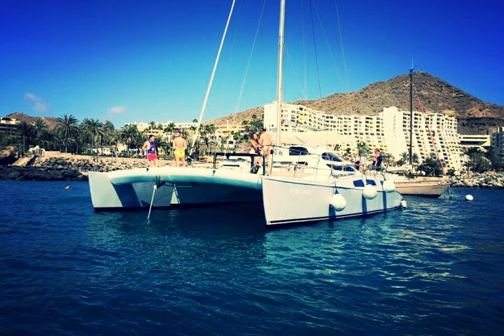 catamaran hire in gran canaria with blue spirit catamaran (2) - Location de catamarans privés à Gran Canaria
