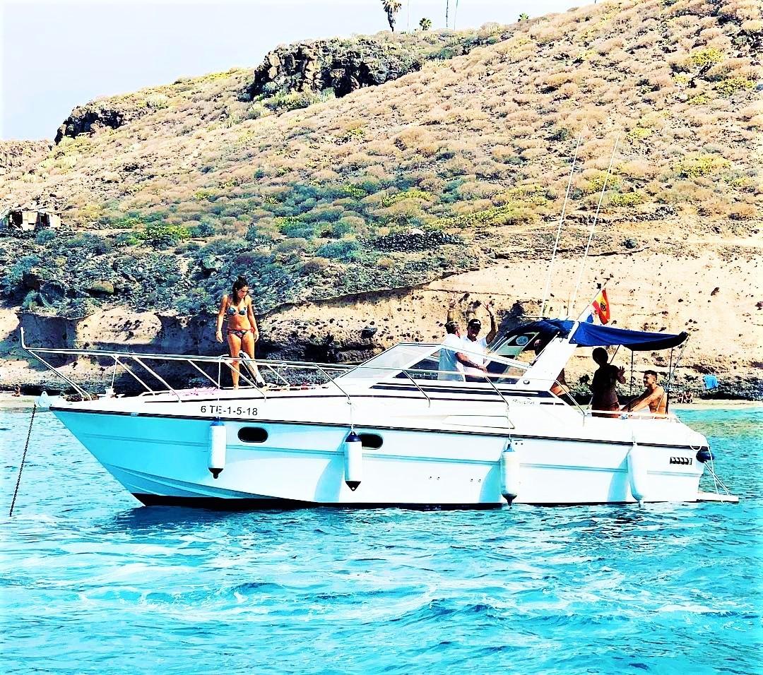 Veneen vuokraus Teneriffalla enintään 8 osallistujan ryhmille.