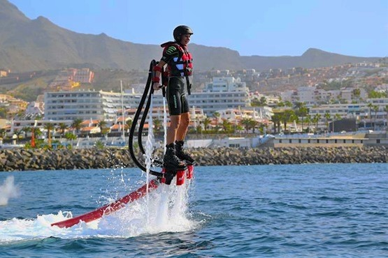 Flyboard in Tenerife South - Vliegbord in Tenerife Zuid