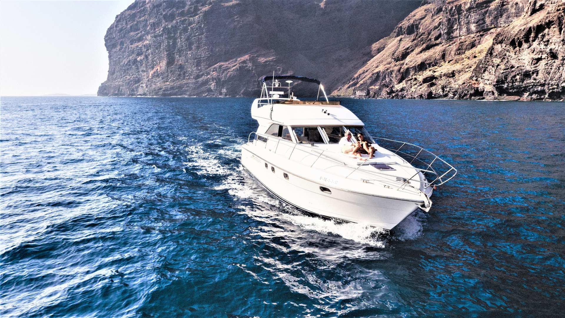 Luxury Motor Boat Charter from Los Gigantes