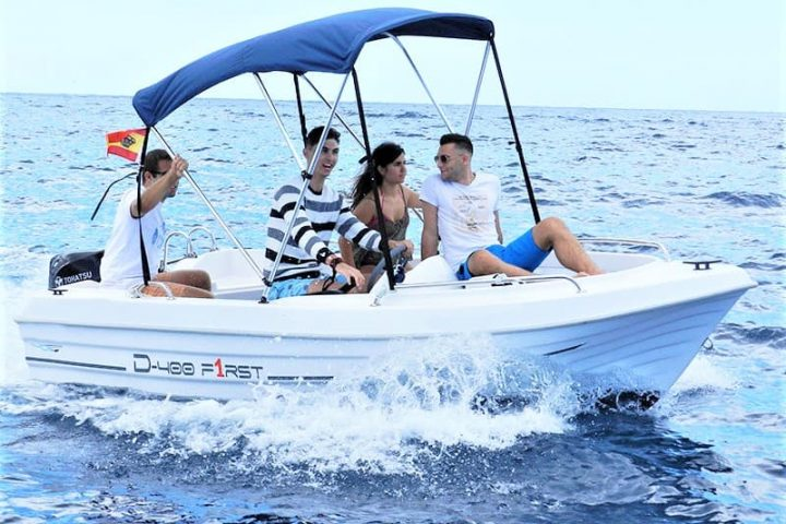 Small Motor Boat Rental without License in Tenerife - 2500