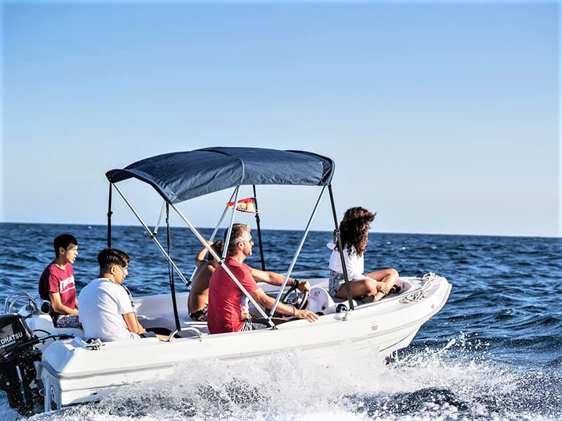 small motor boat rental with or without captain no license required (1)