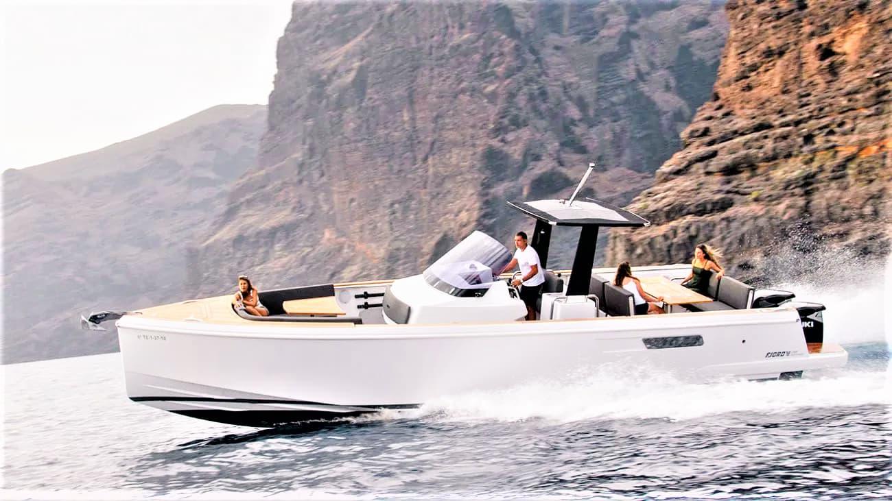 3 órás gyorshajó charter Tenerife déli részén Puerto Colonban